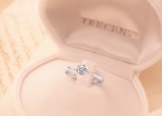 婚約指輪には二人の大切な言葉が刻まれる刻印がおすすめ