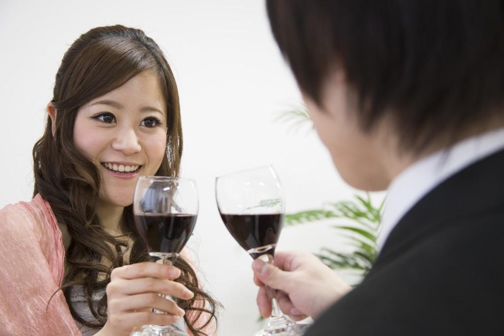 結婚式の二次会で気になる女性に近づくためのコツ