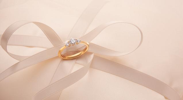 婚約指輪の相場と、自分にあった予算の決め方